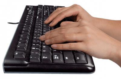 LOGITECH MK220  bezdrôtová klávesnica a myš SK